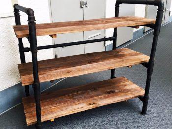 【家具DIY】激安材料の塩ビパイプ×野地板で男前シューズラック